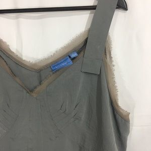 SIMPLY VERA WANG - Gray Top